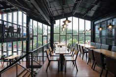 Nhà hàng Crabsark & Crawfish Restaurant  / TNT architects