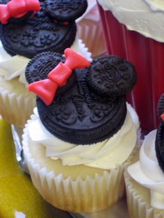 Minnie Mouse cupcakes - oreo