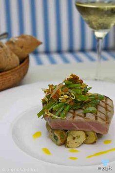 Seared Tuna Fillet © Mozaic Beachclub