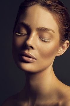 Lucie Brémeault is a Paris, France based photographer who's dedicated to take flawless beauty pictures. Lucie is always trying to reach a high level of sophistication and a mastery of light and retouching.