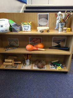 Organizing this way in the music center will help children to see clearly and easy to grab the instruments to play. Reggio Classroom, Classroom Layout, Classroom Organisation, Classroom Design, Music Classroom, Preschool Classroom, Classroom Decor, Preschool Centers, Kindergarten