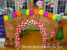 gingerbread house in the classroom....wish I had the space for this.