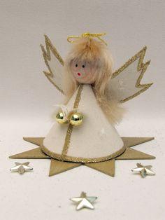 kreatív ötlet karácsonyra angyalka papírból Christmas Angels, Christmas Crafts, Christmas Ornaments, Beaded Angels, Angel Pictures, Making Out, Techno, Easter, Halloween