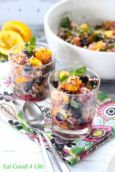 Quinoa mixed fruit salad. This can be eaten as a snack, for breakfast or on the go. A great healthy alternative. #glutenfree #vegan #cleaneating
