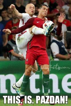 https://de.johnnybet.com/em-2016-portugal-frankreich-wettquoten#picture?id=6864 #Pazdan #Ronaldo #football #like #funnypics