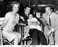 1962, Film Title: LIGHT IN THE PIAZZA, Director: GUY GREEN, Studio: MGM, Pictured: ROSSANO BRAZZI, OLIVIA DeHAVILLAND, - Stock Image