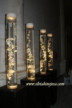 Cilindros Iluminados con Orquidea de Androbium