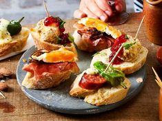 Tapas Recipes, Cooking Recipes, Tapas Party, Good Food, Yummy Food, Party Finger Foods, Food Lists, Street Food, Catering
