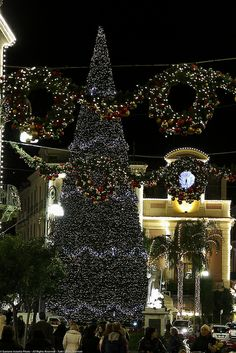 Natale Corso Italia e Piazza Tasso (Sorrento) Italy One of the most beautiful places to visit.
