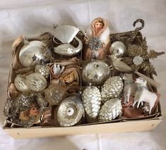 Lovely antique christmas ornaments from my private collection. jennysvitavillervalla.blogspot.se