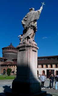 Running through Milan, Italy's old ducal castle, the  Castello Sforzesco provides a great backdrop to any run