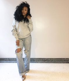 "6,789 Likes, 181 Comments - SZA (@sza) on Instagram: ""Conserving energy, drinking water, buying shoes."""