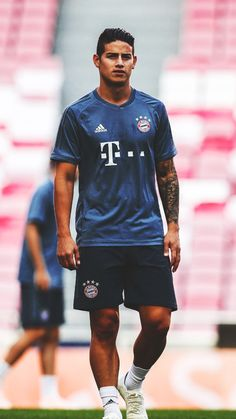 James Rodriguez J Rodriguez, James Rodriguez Colombia, James Rodrigues, Thomas Muller, Sports Celebrities, Falling In Love With Him, Football Players, Sporty, Crushes