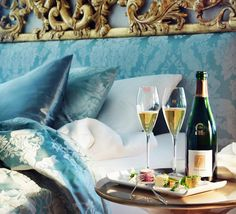 Champagne breakfast in bed Breakfast In Bed, Luxury Living, Life Is Good, Wonderful Life, Beautiful Life, Beautiful Places, Sweet Home, In This Moment, Dining