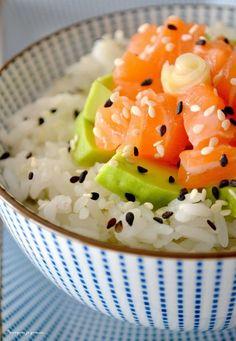 Pourquoi je grossis ... : Chirashi au saumon & dés d'avocat.
