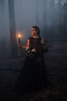 Wedding Themes Goth wedding inspiration - This Halloween-themed spooky inspiration shoot was set in Payson, Arizona, were a fire had burned down the forest. Set in-between the trees, they staged a romantic Halloween ballet. There were hors… Photographie D' Halloween, Halloween Fotografie, Halloween Photography, Fantasy Photography, Fashion Photography, Photography Poses, Photography Lighting, Photography Magazine, Maternity Photography