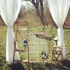 I love elements of this set up for prom minis