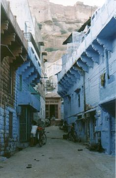 Street scene in Jodpur - The Blue City - INDIA.