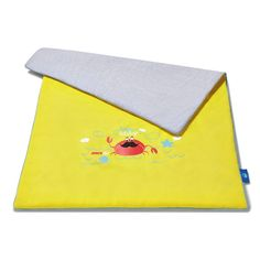 JUICY YELLOW kids quilt (80x100cm) - Juicy Details  Multifunction quilt made of certified knitted cotton fabric and high quality cotton with enhanced softness and delicacy. Blanket is finished with colourful piping.
