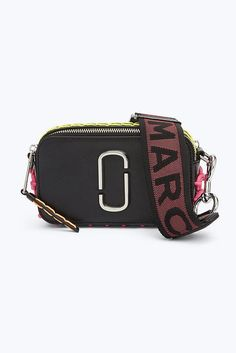 Meet the Snapshot Small Camera Bag from Marc Jacobs, a mini crossbody bag featuring the double J logo and removable straps for a chic clutch option. Pump Sneakers, Small Camera, Large Wallet, Work Bags, Mini Crossbody Bag, Marc Jacobs Bag, New Bag, Bag Accessories, Purses And Bags