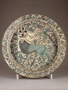 Bowl bearing the coat of arms of Florence,majolica ware (term is generally used to describe Italian earthenware), faience