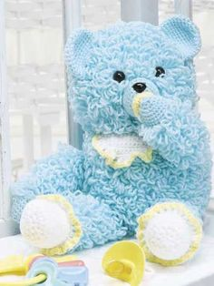 this teddy is adorable, and the pattern is free ;)