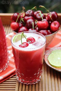 Cherry Limeade - Lemonade and Lemonade-Inspired Recipes Refreshing Drinks, Fun Drinks, Yummy Drinks, Healthy Drinks, Yummy Food, Beverages, Alcoholic Drinks, Cherry Limeade Recipe, Jus Detox