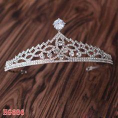 #luxurycrown #luxurytiara #cleartiara #cubiczircontiara #crystaltiara #silvertiara #pageantcrown #bridaltiara #promtiara #weddingtiara #weddingcrown