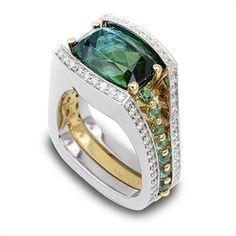 Yellow Radiant Cut Diamond Ring What a fun way to accentuate this blue to green Bi-color Tourmaline.What a fun way to accentuate this blue to green Bi-color Tourmaline. Jewelry Gifts, Jewelry Accessories, Fine Jewelry, Jewelry Design, Unique Jewelry, Boho Jewelry, Do It Yourself Fashion, Tourmaline Jewelry, Schmuck Design