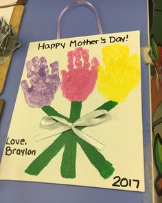 Mothers Day Crafts For Kids, First Mothers Day, Holiday Crafts For Kids, Fathers Day Crafts, Mothers Day Cards, Toddler Art, Toddler Crafts, First Grade Crafts, Mother's Day Projects