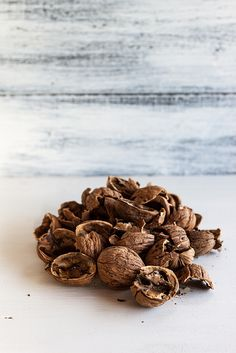 Walnut shells (powdered) -   Ground into a powder, walnut shells are an ideal natural exfoliant—textured enough to smooth and brighten skin, gentle enough for any skin type.