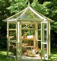Inspiring Small Greenhouse For Backyard Pictures Ideas. Landscaping Gallery at Small Greenhouse For Backyard Best Greenhouse, Greenhouse Plans, Greenhouse Gardening, Greenhouse Wedding, Porch Greenhouse, Underground Greenhouse, Homemade Greenhouse, Portable Greenhouse, Indoor Gardening