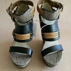 """Mossimo wedge sandals. Black and tan. Platform lowest point is 1 1/2"""" and highest point is 6"""". Mossimo Supply Co Shoes Sandals"""