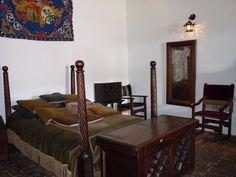 Hacienda Museo Casa del Salitre, fue declarada nacional en el año 1974 es una construcción colonial que data del siglo XVIII y en la cual se hospedo el general Simón Bolívar durante su gestión libertadora. Actualmente es un hotel con gran altura. www.haciendaelsalitre.com