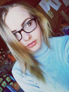 #girl #blonde #glasses #nerd #turtleneck #top #gray