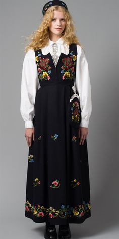 National Costume (bunad) from Gudbrandsdal in Oppland County, Norway Folk Costume, Costumes, Norwegian Clothing, Folk Clothing, Folk Fashion, Traditional Dresses, Norway, Cold Shoulder Dress, Textiles