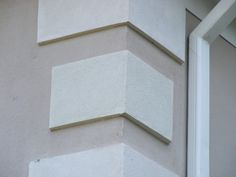 corner edge desings in houses - Saferbrowser Yahoo Image Search Results Metal Roof Houses, Stone Houses, House Roof, Stucco Homes, Stucco Exterior, Exterior Paint, Exterior Wall Design, Door Design, House Design