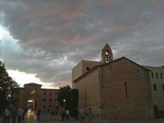 El cel de Poblet. Un cap de setmana distès de ciència i lleure. Observem el cel des de l'era del monestir de Poblet. Fotografia de Rita Udina