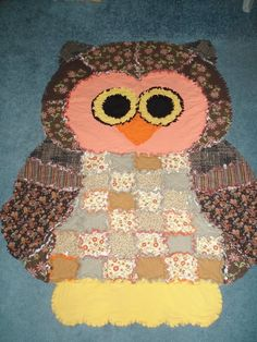 Owl rag quilt-would be great for a grandchild Quilting Templates, Quilting Projects, Sewing Projects, Sewing Crafts, Quilting Ideas, Sewing Tutorials, Sewing Ideas, Owl Quilts, Animal Quilts