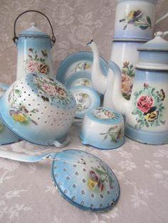 3000 in Collectibles, Kitchen & Home, Kitchenware