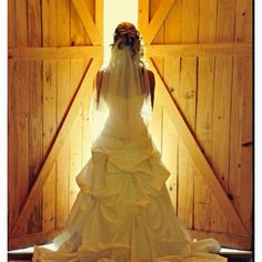 Love this pic idea, and I have two big double french doors at the venue (not barn)