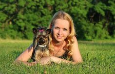 Caring for a Yorkshire Terrier - Things you Should Know. The Yorkshire Terrier is not only one of the world's smallest dogs but also one of the most appreciated for its size and. Yorkie Terrier, Yorkie Puppy, Terrier Dogs, Yorkshire Terrier Dog, Yorky, Oils For Dogs, Toy Puppies, Homemade Dog Food, Scottish Terrier
