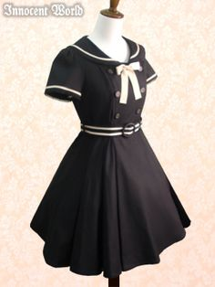 Girl´s sailor style inspired dress. Very cute with poofy underskirt.