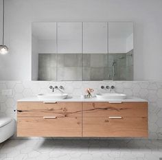 smarterBATHROOMS+ selected George Fathers' stunning Beam Wood Oak veneer for the vanity unit to add depth and character to the space. Ensuite Bathrooms, Upstairs Bathrooms, Bathroom Toilets, Laundry In Bathroom, Bathroom Renos, Simple Bathroom, Bathroom Renovations, Modern Bathroom, Master Bathroom