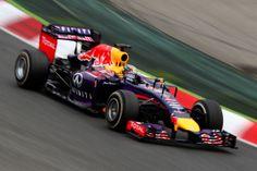 La prima gara Europea si conclude nell'esaltazione delle Mercedes. Nelle tre settimane di pausa non solo gli avversari non hanno recuperato, ma anzi si sono fatti staccare. L'unica voce fuori dal coro è la Red Bull, terza con Ricciardo e quarta con un magnifico Vettel, autore di una straordinaria gara in rimonta dopo la brutta qualifica e la retrocessione per sostituzione del cambio. Le Ferrari solo dopo Bottas, ridotte a duellare tra di loro per le posizioni di rincalzo…