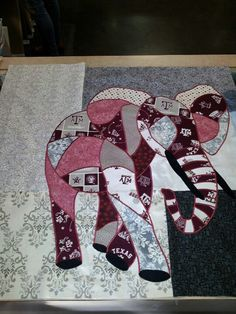 Baby aggie quilt. If only I could sew...