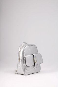 Σακίδιο πλάτης ασημένιο με καπιτονέ μπροστινή τσέπη. ΚΩΔ.: 117.036 ΤΗΛ: 2510 241726 Fashion Backpack, Backpacks, Bags, Handbags, Backpack, Backpacker, Bag, Backpacking, Totes