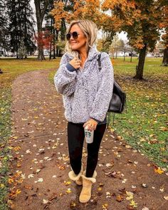 winter outfits with leggings 36 Lovely Women Winte - winteroutfits Winter Mode Outfits, Winter Outfits Women, Casual Winter Outfits, Winter Fashion Outfits, Autumn Winter Fashion, Winter Outfits For Teen Girls Cold, Autumn Outfits, Comfy Winter Outfit, College Winter Outfits
