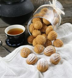 Oreshki are walnut shaped cookies filled with a dulce de leche filling, creating one of the most admired Russian cookies! Russian Desserts, Kinds Of Desserts, Russian Recipes, Finnish Recipes, Cake Ingredients, Homemade Taco Seasoning, Homemade Tacos, Russian Cookies, Cookies