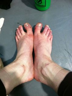 Sore feet Ballerina Feet, Ballet Feet, Ballet Dancers, Ballet Beautiful, Beautiful Women, Sore Feet, Foot Pictures, Pointe Shoes, Rest